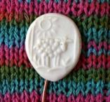Sheep close up crop thumb